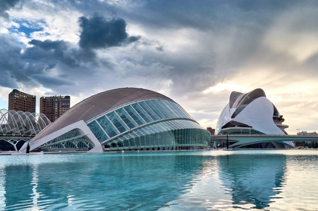 Kromě historického centra Valencie nabízí také dechberoucí moderní stavby — Unsplash
