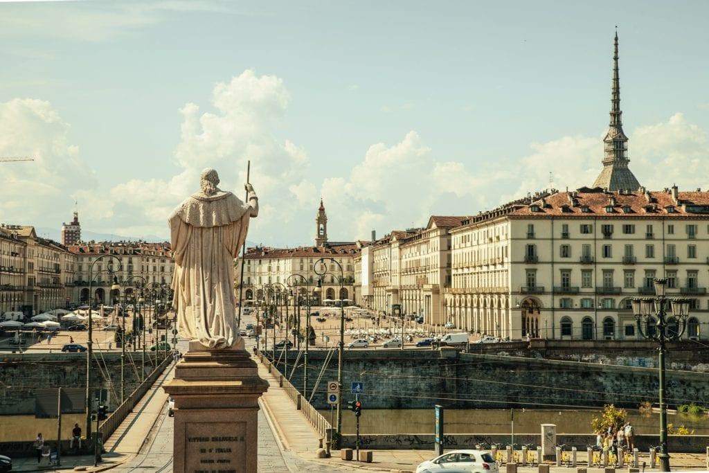 Locana leží jen 45 kilometrrů od Turína — Pixabay