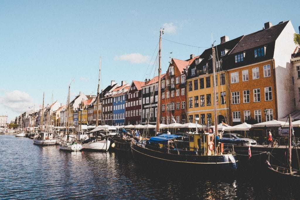 Obyvatelé skandinávských zemí jsou vůbec nejpoctivější Češi patří mezi nejpoctivější národy, tvrdí studie