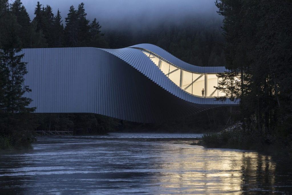 Laurian Ghinitoiu z Romanska soutěží s fotografií budovy The Twist Museum v Norsku — Laurian Ghinitoiu/APA19/Sto