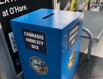 Letiště v Chicagu instalovala krabice na marihuanu