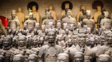 Archeologové objevili 200 nových válečníků terakotové armády