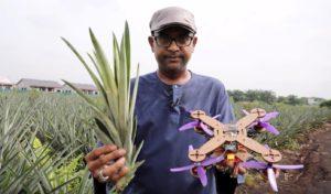 Dron z vláken listů ananasu